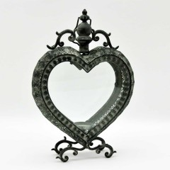 HEART H 53 cm W 35 cm D 11 cm